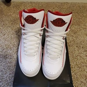 Air jordan retro 2 varsity red